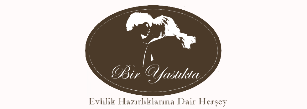 BIR YASTIKTA